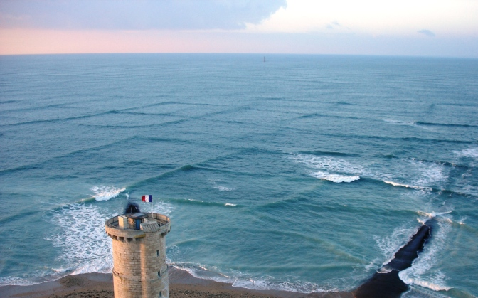 Grid waves on the French coast