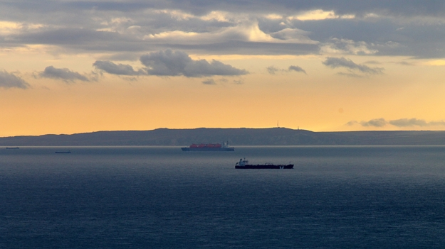 Cap Gris Nez, dawn traffic-resized