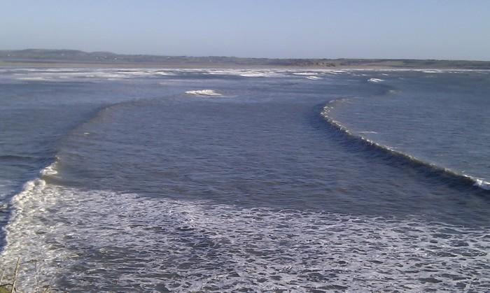 Set waves at Tramore pier