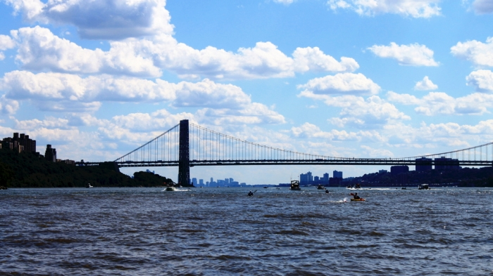Heading down the Hudson toward GW bridge (crop, contrat, resize)