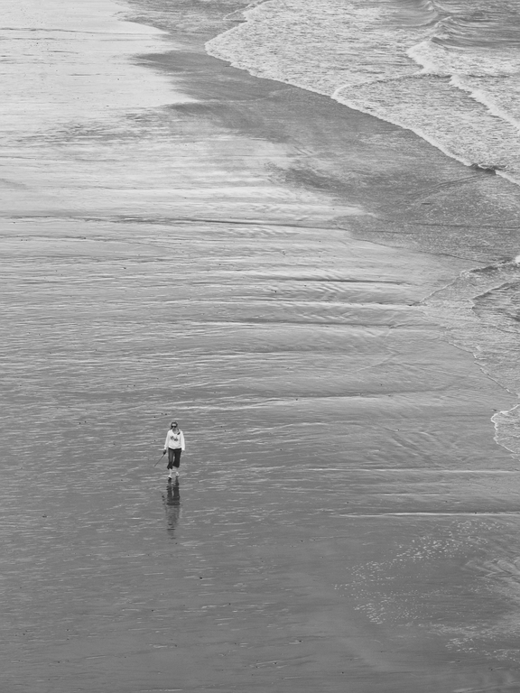 Dee on Kilfarrassey Beach B&W _MG_5674.resized