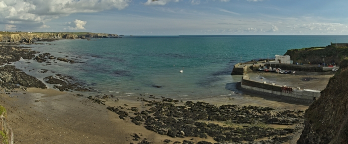 Low tide on the course at Rock Bottom & Boatstrand. Race start bottom right outside the harbour