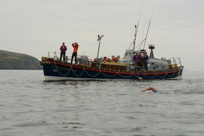 Quinton Nelson & Crew on Guy & Clare Hunter watch over a North Channel swimmer